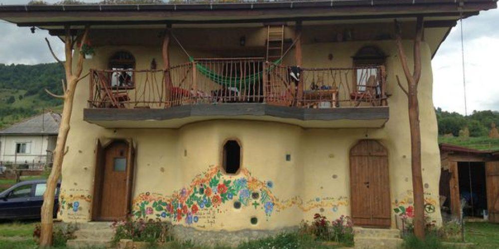 O casa ecologica 100% a fost construita in Bistrita